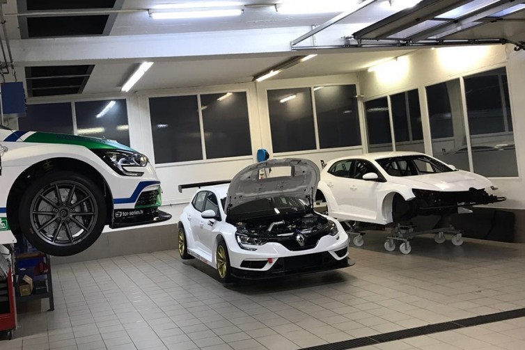The Renault Mégane TCR is ready to start testing